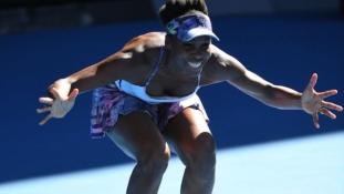 Venus Williams makes Aussie Final, history