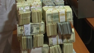 2019 Elections: Buhari worried by the huge amount of dollars flooding the country