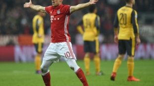 Arsenal torn apart by Bayern in 5-1 mauling