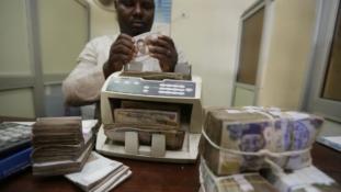 Black market operators lament as Naira trades at N400/dollar