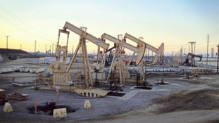 Russia overtakes Saudi Arabia as world's largest oil producer