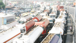 We have nowhere to go –Truck owners tell FG over ultimatum to vacate port roads