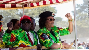 Mugabe refuses to step down, vows to fight on