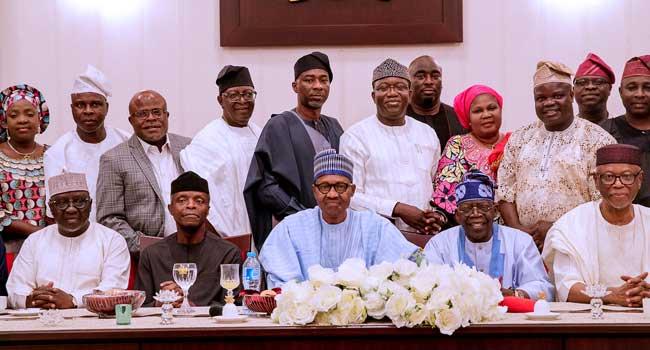 PHOTO: Buhari dines with Tinubu, APC leaders at Aso Rock