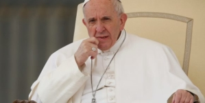 Abuse scandal: Pope accepts resignation of 2 more Chilean bishops