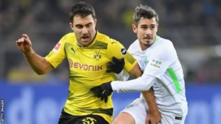 Sokratis Papastathopoulos set to join Arsenal for reported £16m