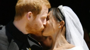It's official! Prince Harry marries Meghan