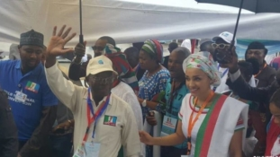 Oshiomhole, 19 others elected at APC Convention as delegates exchange blows