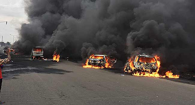 Fuel-laden tanker explodes on Lagos- Ibadan express, many feared killed, vehicles burnt