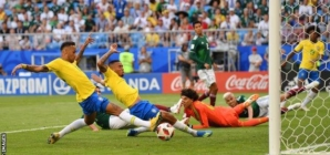 Brazil edged out Mexico to qualify for seventh consecutive world cup quarter-finals