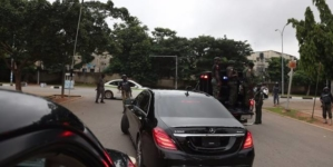 Security agents block Saraki's convoy