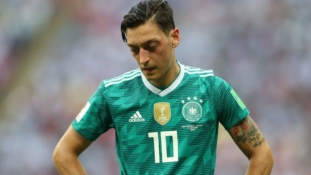 Mesut Ozil quits German national team after making accusation of racism