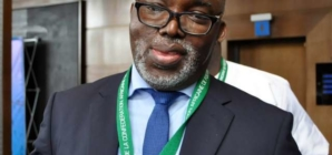FG recognises Pinnick as NFF president to avoid FIFA ban