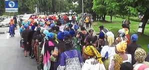 C/River women march for voter registration awareness