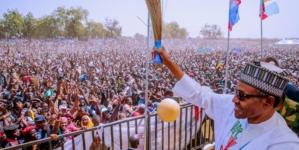 PHOTOS: Mammoth crowd throng Sokoto for Buhari