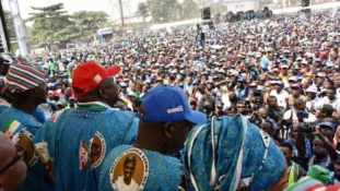 Journalists, others shot as thugs disrupt Lagos APC rally