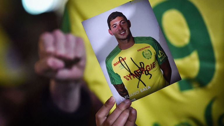 Search and rescue mission to find Emiliano Sala and pilot ends