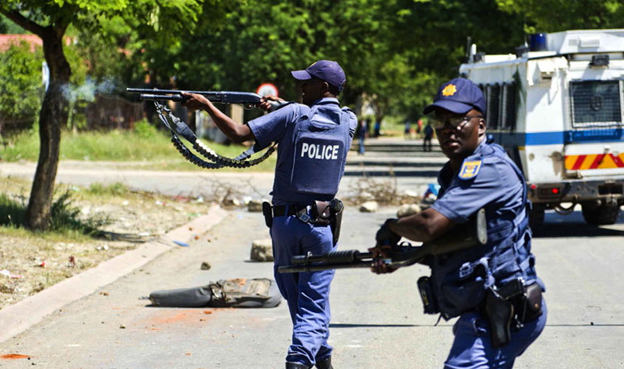 Five South African policemen in court for robbing Nigerian man