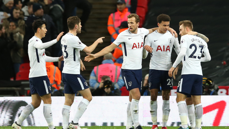 Harry Kane's late double secures Spurs win
