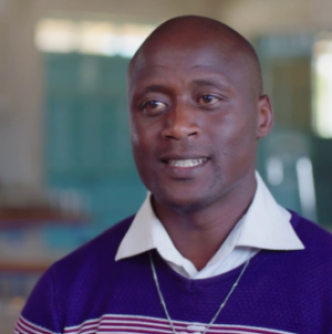 Kenyan teacher is world's best, wins $1m prize money