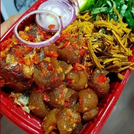 Lagos state govt raises alarm over of 'poisonous ponmo' in markets