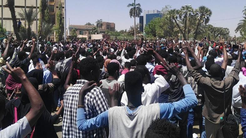 Nigerians protest in Abuja, write Buhari over insecurity